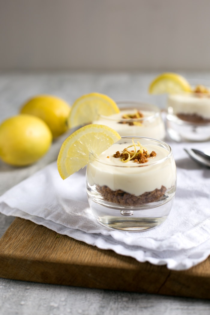 This gluten-free No-Bake Gin Lemon Cheesecake is superbly refreshing, with a vibrant citrusy note and a nice boozy kick. Perfect to enjoy on a hot summer weekend! Recipe by The Petite Cook - www.thepetitecook.com