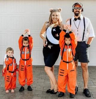Halloween family costume astronauts