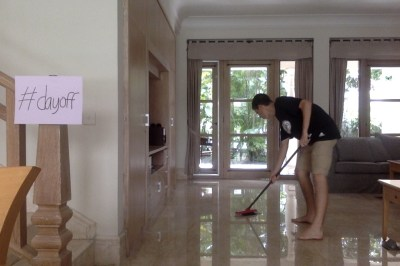 Photo 2: Cleaning the day away