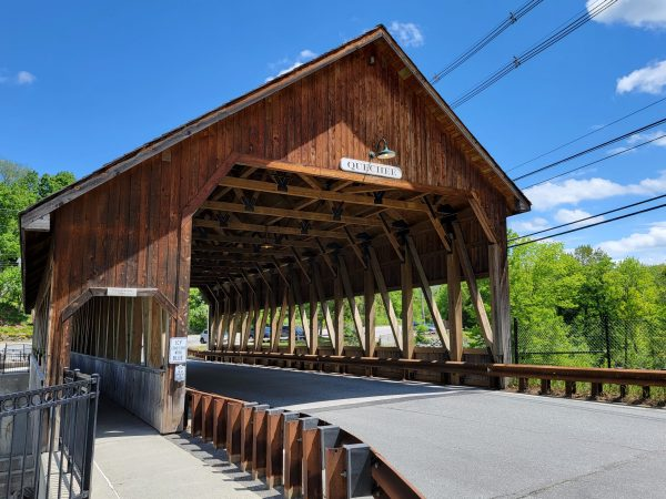 Quechee Vermont Covered Bridge & Quechee Falls (Photos)
