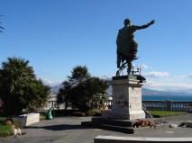 Statue, street art, Vesuvius and dogs - Naples