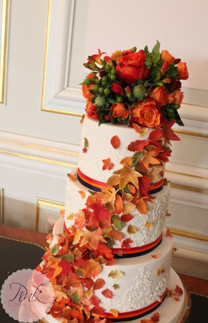 autumn-leaf-cascade-wedding-cake-above