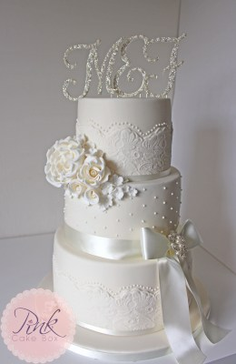 ivory-lace-and-pearl-wedding-cake-with-roses-and-diamante-copy