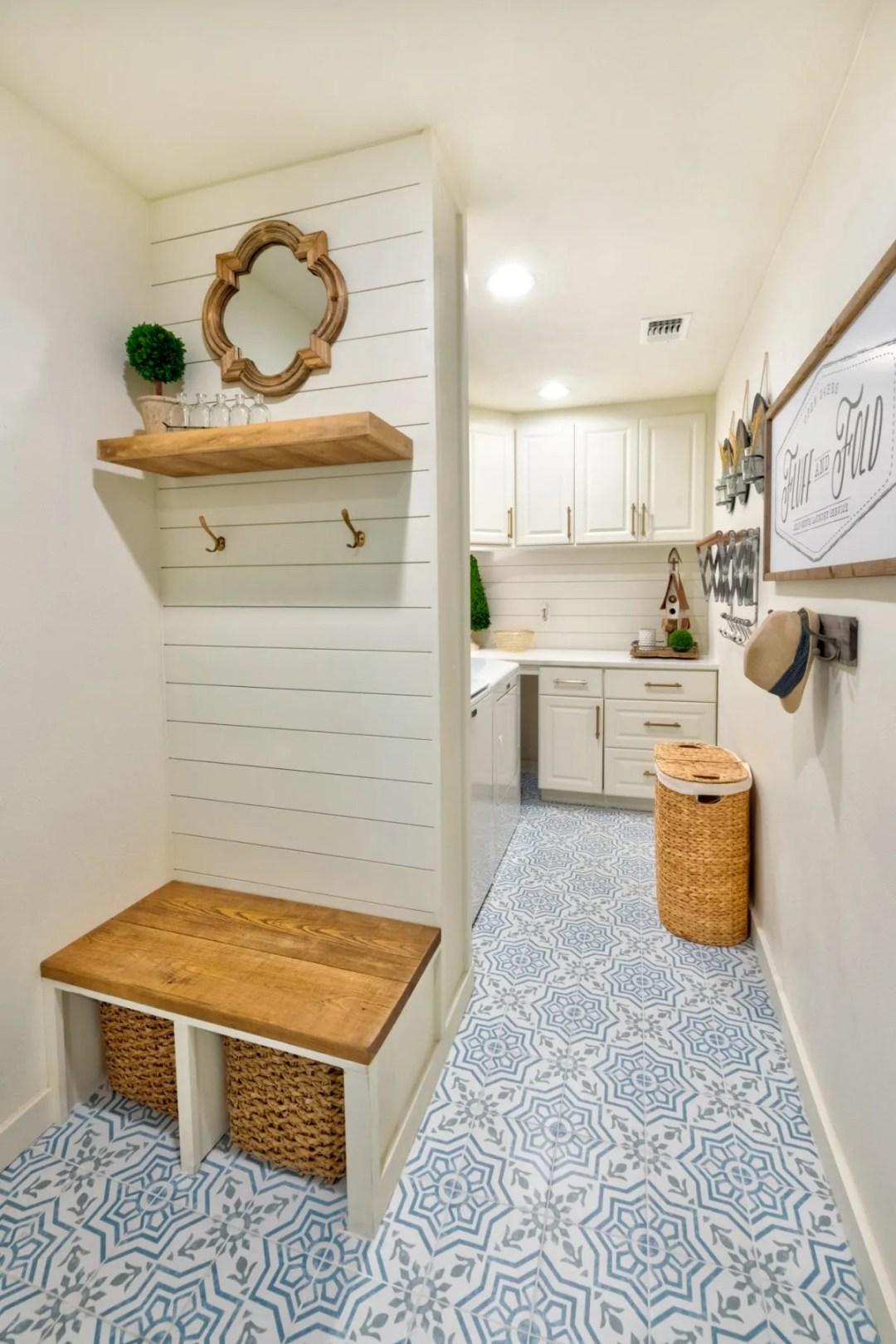 How to create a mini mud room