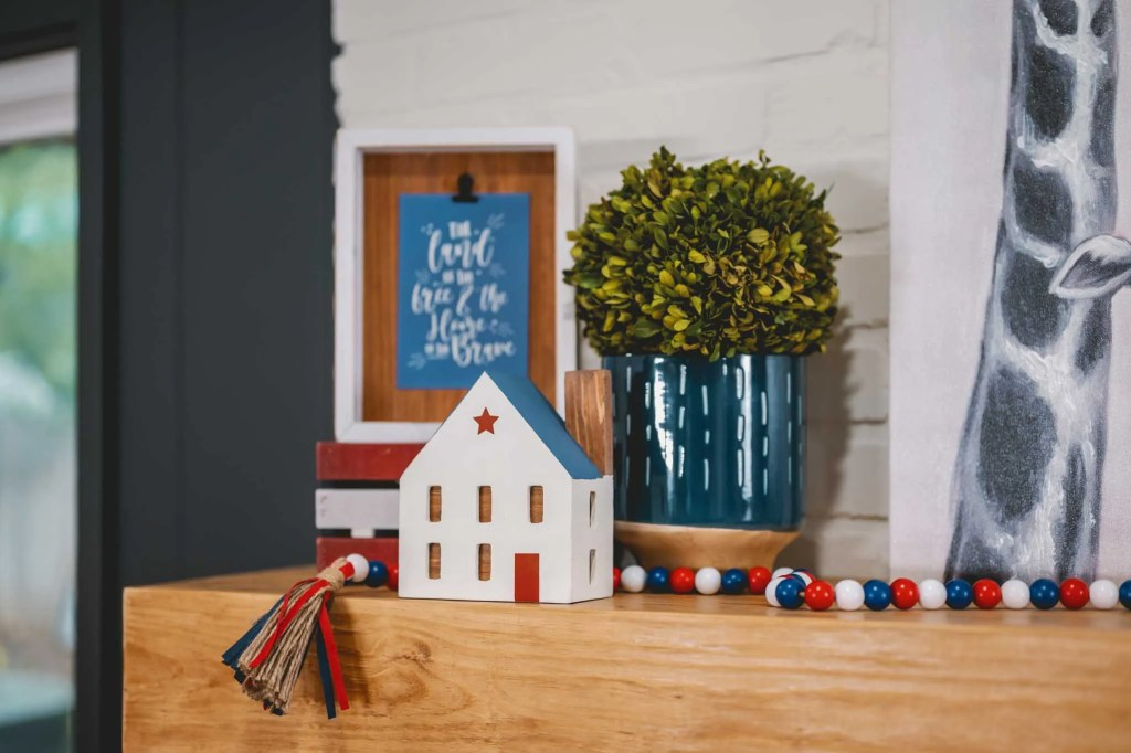 Decocrated New Americana house