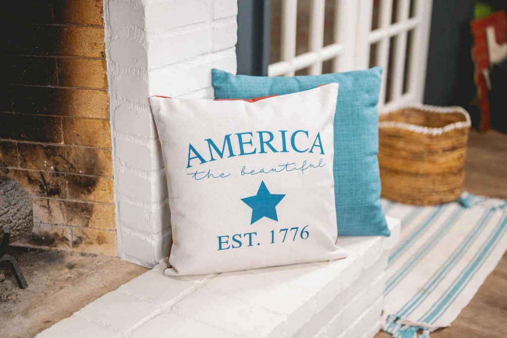 Decocrated New Americana pillow