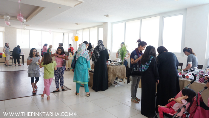Our guests mingling with our vendors.