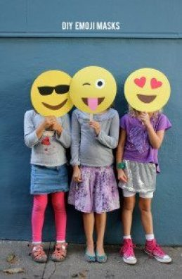 DIY-emoji-masks-3