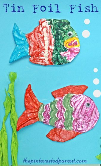 Painterd tin foil embossed fish arts & craft for kids. Great summer craft using aluminum foil, cardboard & glue for embossing