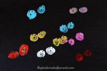 these-are-so-cute-fun-to-make-thumbprint-or-fingerprint-spooky-eyes-kids-arts-crafts-perfect-for-halloween