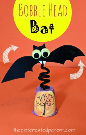 Bobble Head Bat with printable bat template - watch it wobble and fly. Halloween arts and crafts for kids