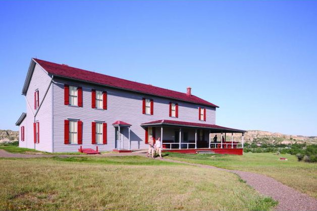 North_Dakota_Attraction_Chateau_de_Mores_JG