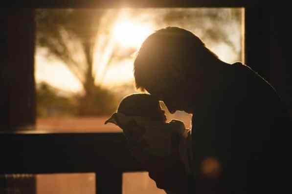 newborn and dad photography