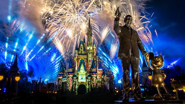 Walt Disney World Resort Releases a New 'Magic Holidays Room Offer'
