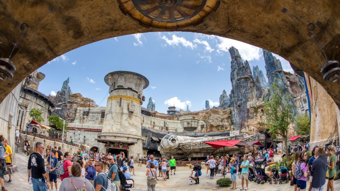 What Your Taste Buds Can Expect When You Travel to Batuu at Star Wars: Galaxy's Edge