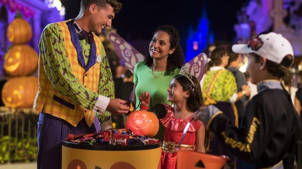 Top 5 Reasons You Can't Miss Mickey's Not-So-Scary Halloween Party This Year