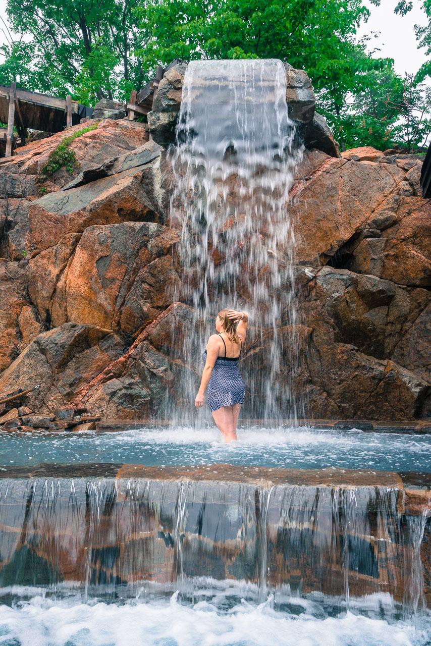nordik-spa-ottawa-waterfall