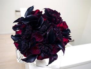 black flowers bouquet