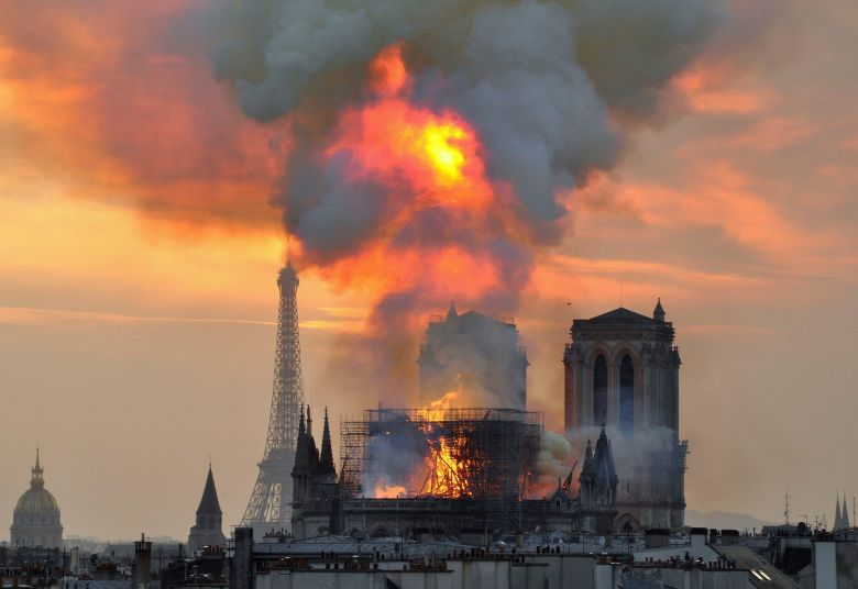 Notre Dame on fire, will the French elite act?