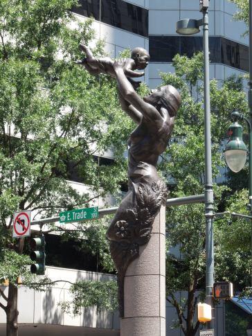 Ch-Statue 1
