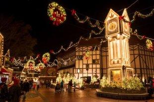 bg-christmas-town