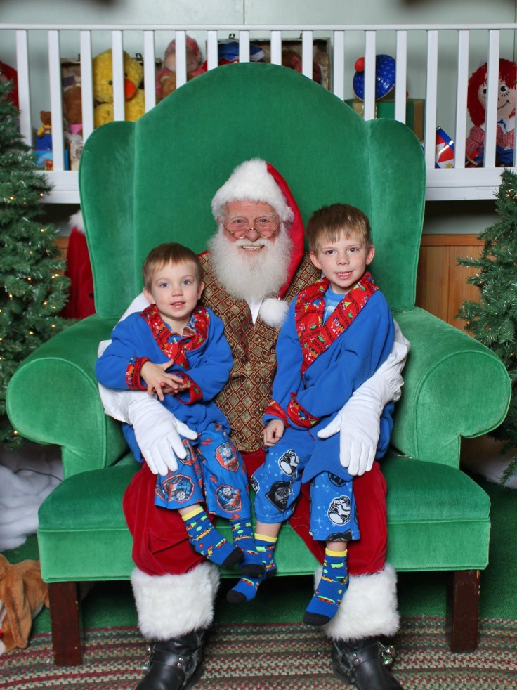 3dbd009691 MAGICAL MOMENTS CAPTURED WITH SANTA AT ST. CHARLES TOWNE CENTER ...