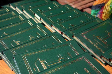 Maia Bibles