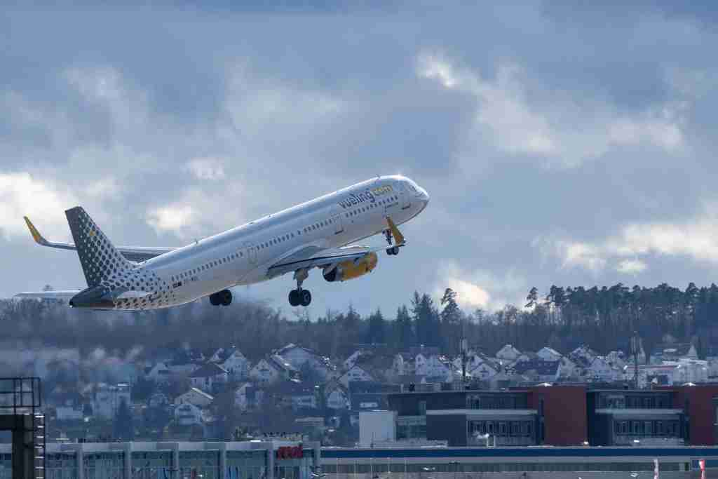 07 March 2019, Baden-Wuerttemberg, Stuttgart: An Airbus A321 of the airline Vueling Airlines takes off from Stuttgart Airport. Photo: Fabian Sommer/dpa (Photo by Fabian Sommer/picture alliance via Getty Images)