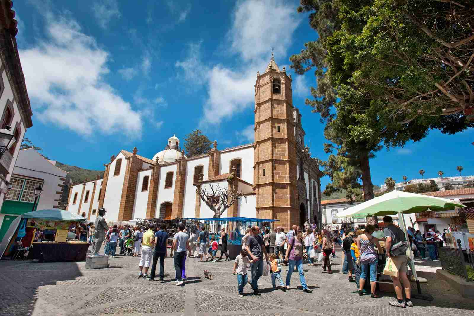 A farmers market in the Basilica Nuestra in Gran Canaria. (Photo by Sabine Lubenow / LOOK foto / Getty Images)