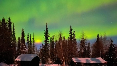 How to use a smartphone to photograph the northern lights