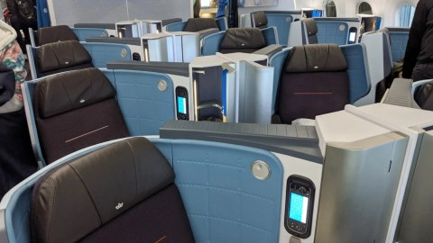 Great seat, so-so service: A review of KLM's business class on the 787-9 from Amsterdam to Toronto