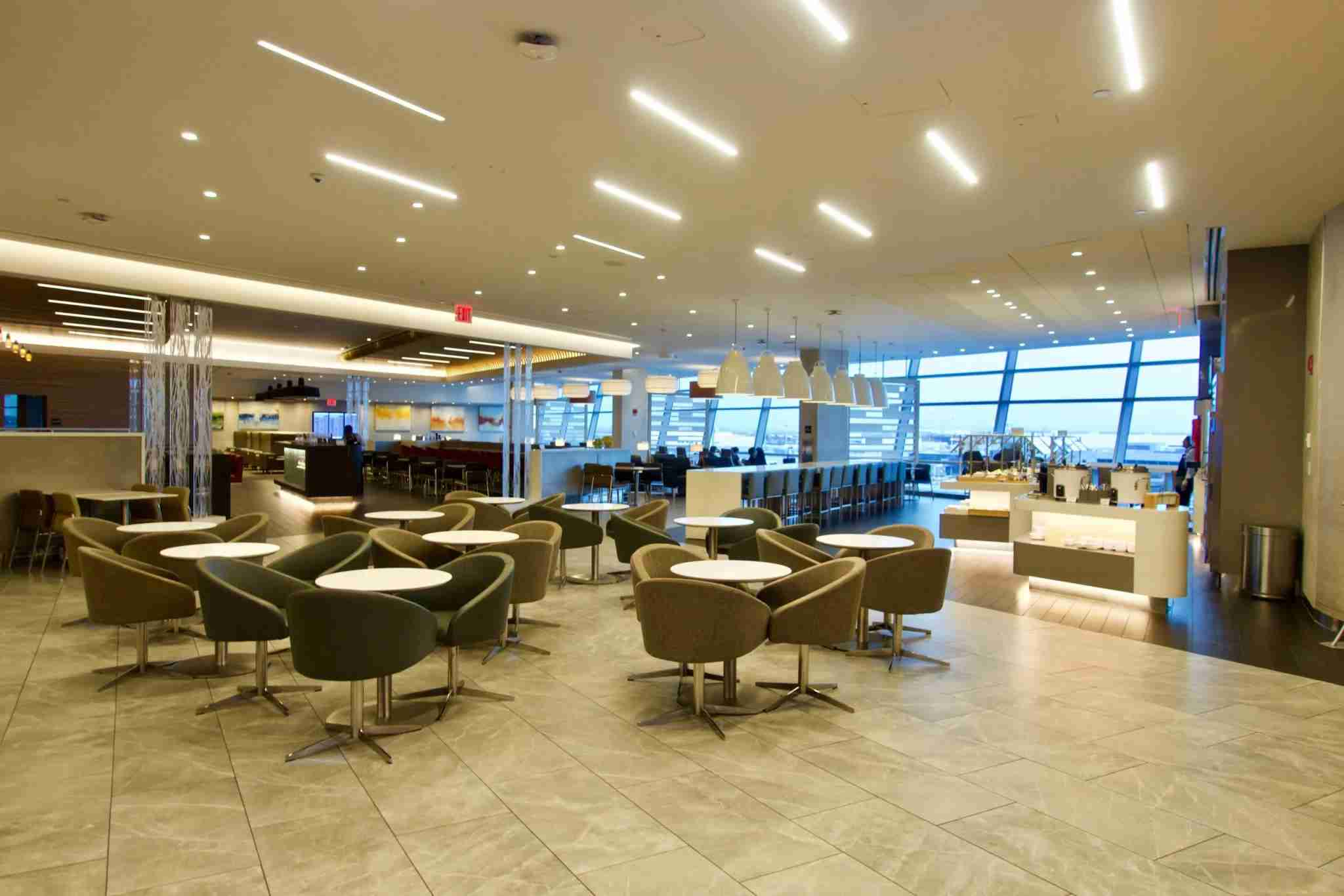 The JFK American Airlines Flagship lounge. Photo by Christian Kramer / The Points Guy.