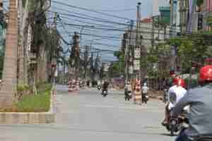 Electric wires draped above the streets (Image courtesy of Shutterstock)