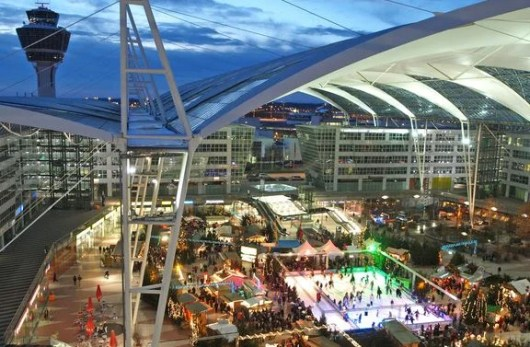 Enjoy the Christmas market at Munich Airport