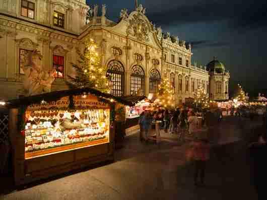 Vienna Christmas Village (Photo courtesy of WienTourismus/Christian Stemper)