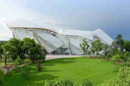 Frank Gehry designed Paris