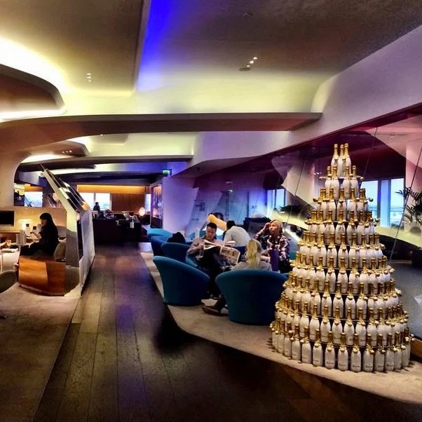 If only US airline lounges were 1:10th as sexy as the LHR Virgin Atlantic Clubhouse.