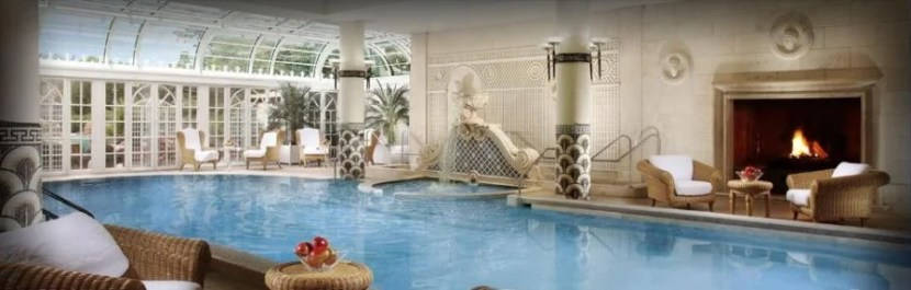 The swimming pools at the Rome Cavalieri are sexy and luxurious