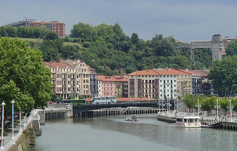 Bilbao, Spain, is home to the Guggenheim museum, which has programming just for kids.