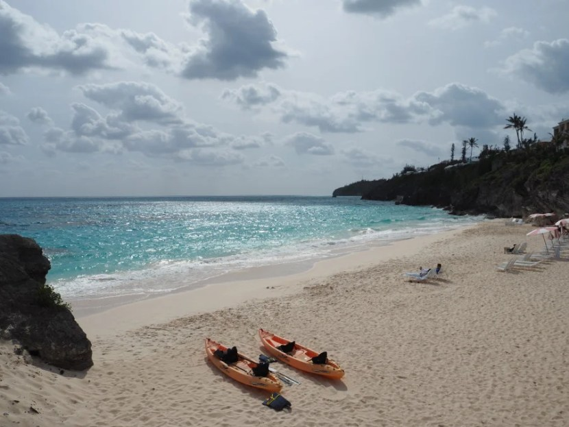 You can rent kayaks and relax on lounge chairs at the private beach.