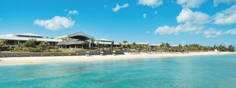 The turquoise waters of the Indian Ocean are just one reason to book an award stay at Le Meridien Ile Maurice