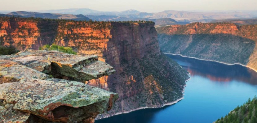 The TownePlace Suites in Vernal, UT is an ideal jumping-off point for exploring Flaming Gorge and other outdoor attractions. Image courtesy of Shutterstock.