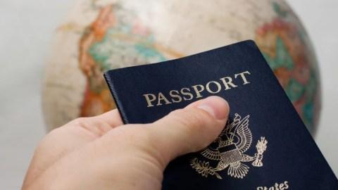 smart cards the global information passport managing a successful smart card program