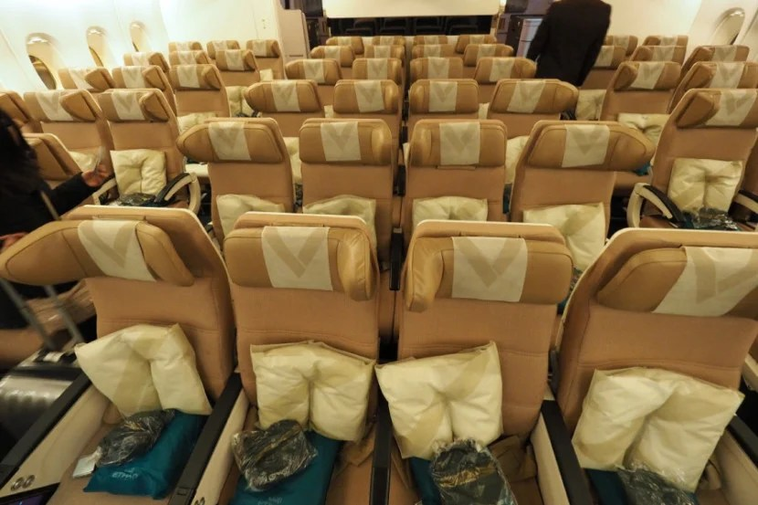 Seats are arranged in a 3-4-3 configuration.