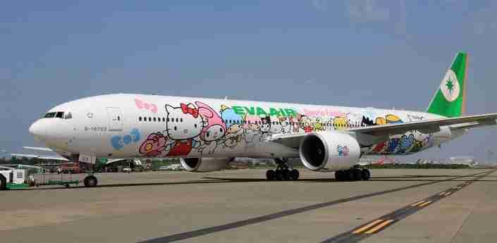 777-hello-kitty-jets-22_tcm33-19893