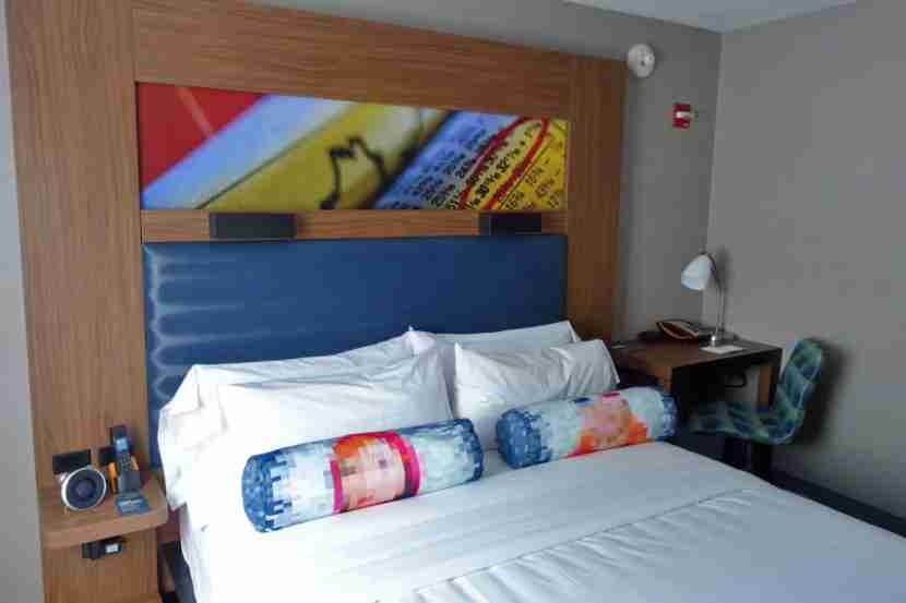 A brand-new Aloft bed.