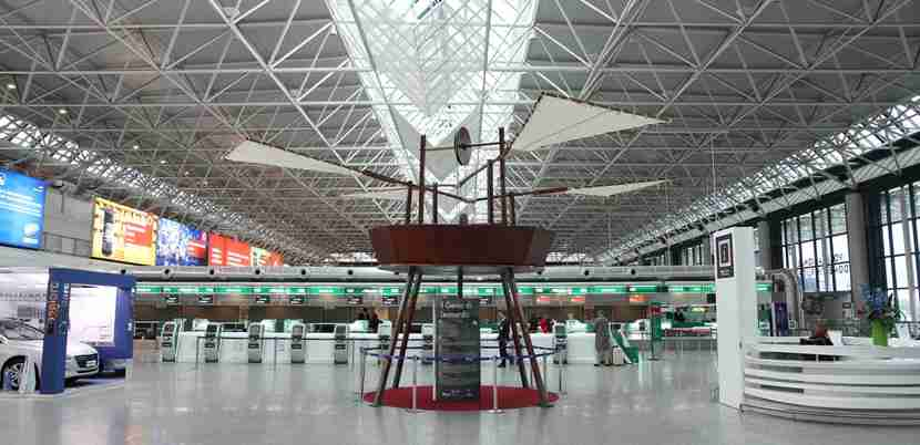 A bit of Leonardo at Leonardo da Vinci-Fiumicino. Photo courtesy of Shutterstock.
