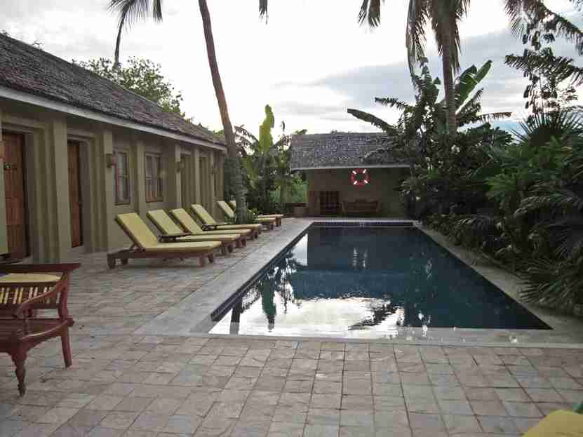 Hotel Pool Orig
