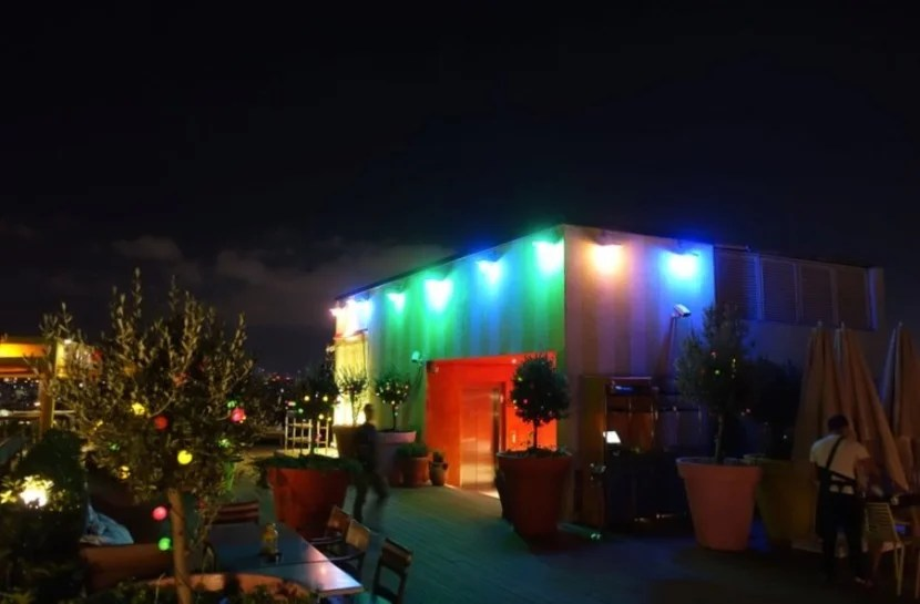 The rooftop scene at Mama Shelter Istanbul.