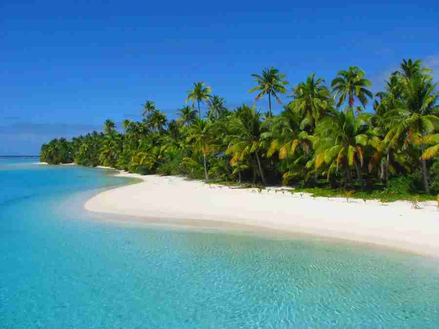 The remote, uninhabited One Foot Island, a motu of Aitutaki in the Cook Islands. Photo courtesy of Shutterstock.